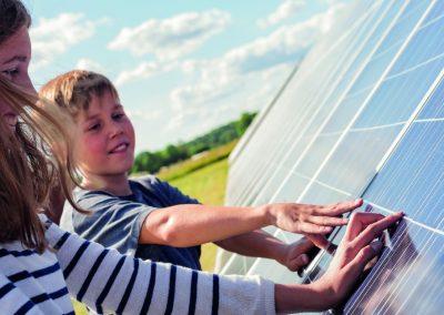 Informationskväll om solceller och laddstolpar